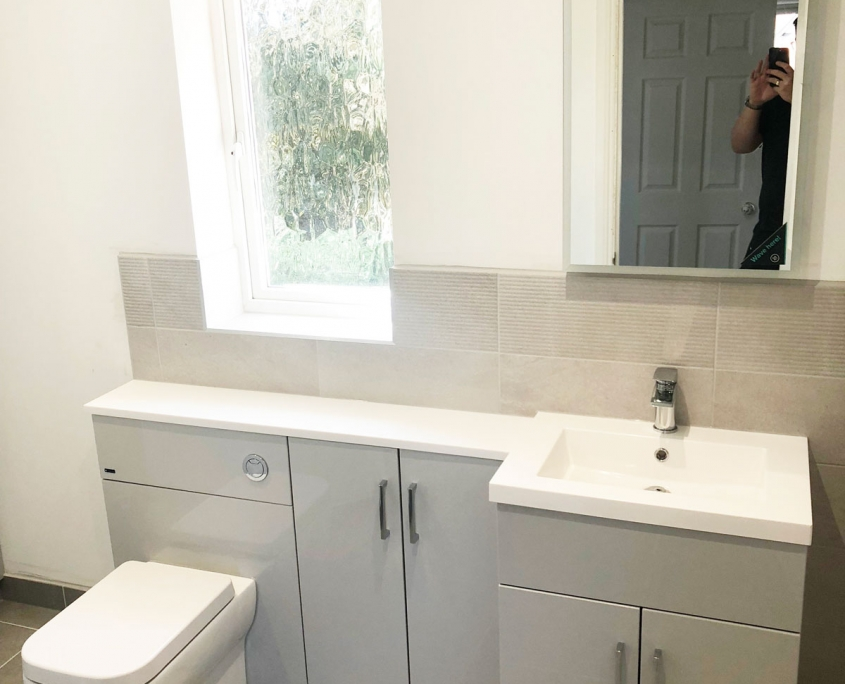 FAREHAM bathroom supplied and installed by Taps and Tubs